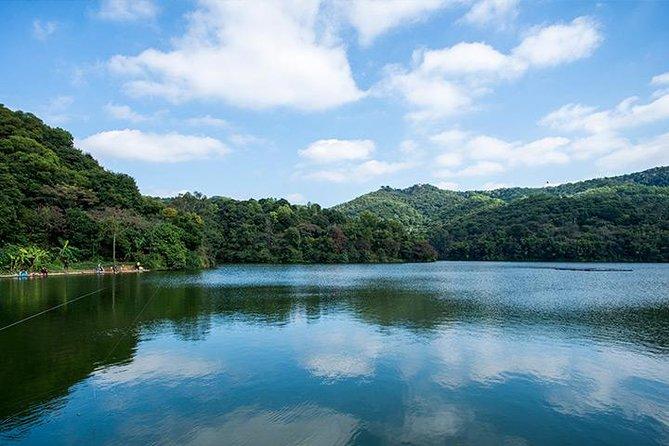 Private Day Trip to Baiyun Mountain and Yuexiu Park plus Nanyue King Mausoleum from Guangzhou