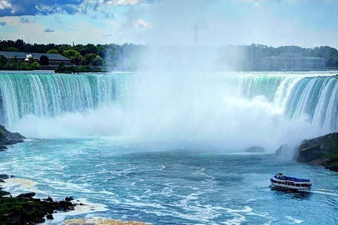 Niagara Falls and Toronto City Mega Tour