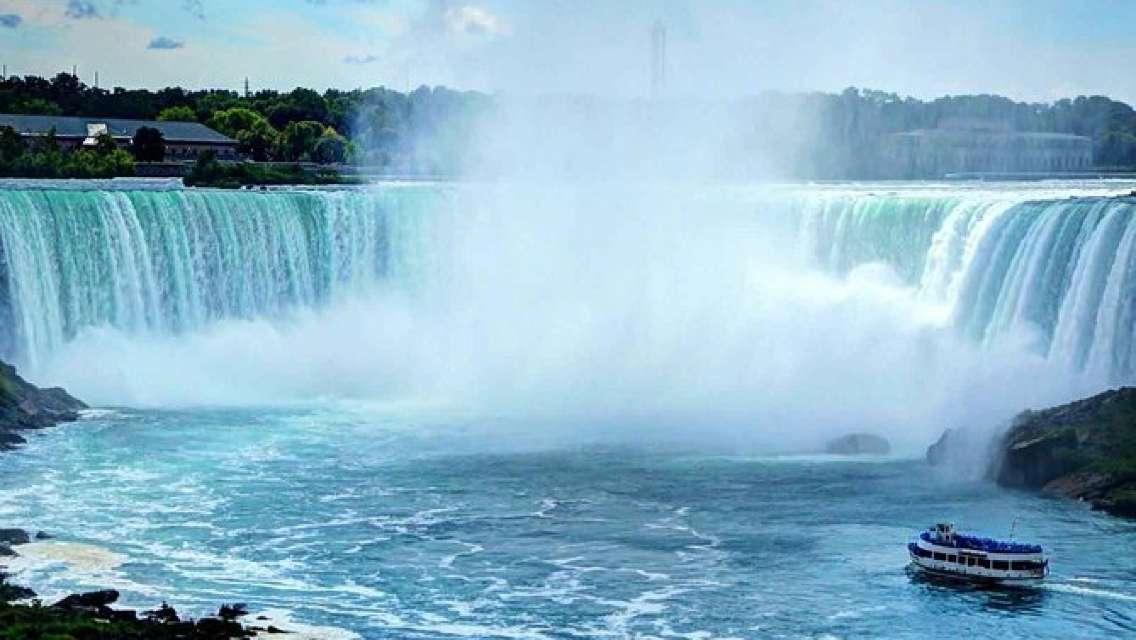 Niagara Falls and Toronto City Mega Tour