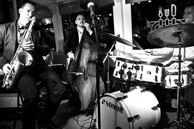 プラハのJazzboat:人気のジャズの生演奏付きイブニング・クルーズ