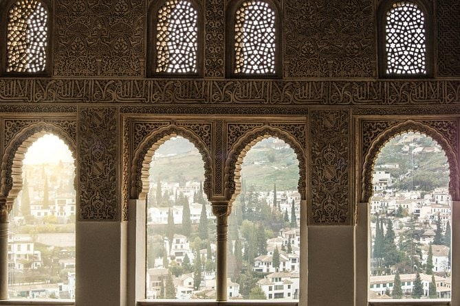 Private 3-hour Alhambra tour with tickets