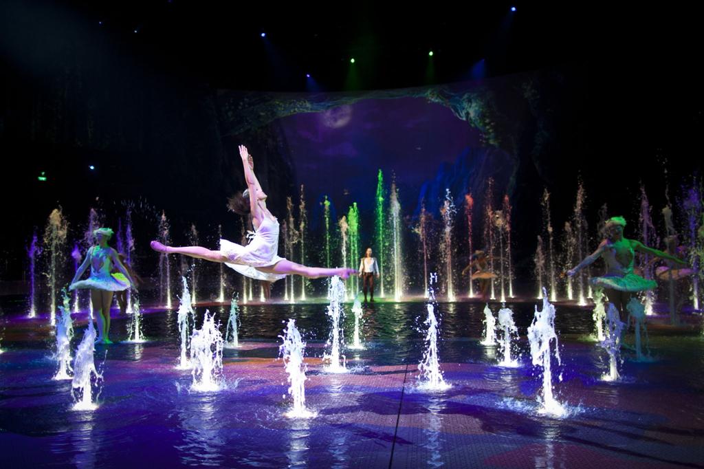 全球最大水上匯演 | 澳門新濠天地《水舞間》門票