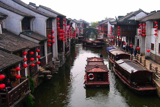 Mini Group: One-Day Zhouzhuang and Jinxi Water Town Tour from Shanghai