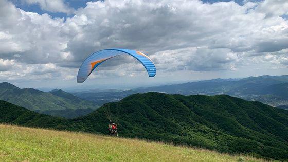 楊平滑翔傘飛行體驗