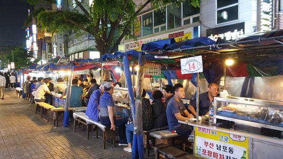 【釜山人帶你遊市區】釜山塔、國際市場、BIFF廣場、富平市場街頭美食之旅(步行導覽)