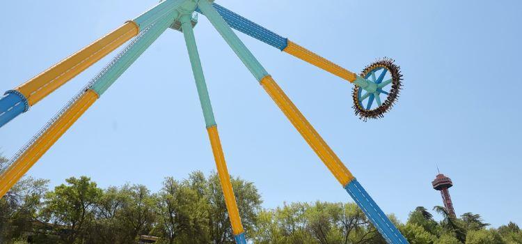 Six Flags Magic Mountain Theme Park3