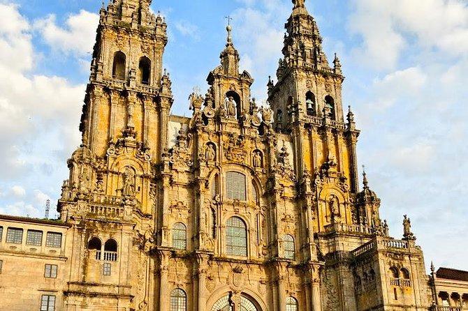 Full-Day Tour to Santiago de Compostela and Valença do Minho from Porto