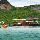 Samui Island Tour to Angthong Marine Park by Big Boat with Kayaking