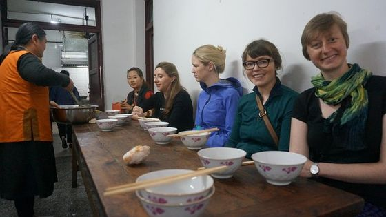 Half-day Walking Tour with Local Market Trip and Vegetarian Lunch in Nunnery