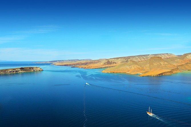 Espiritu Santo Island All Inclusive Sailing Trip from Los Cabos