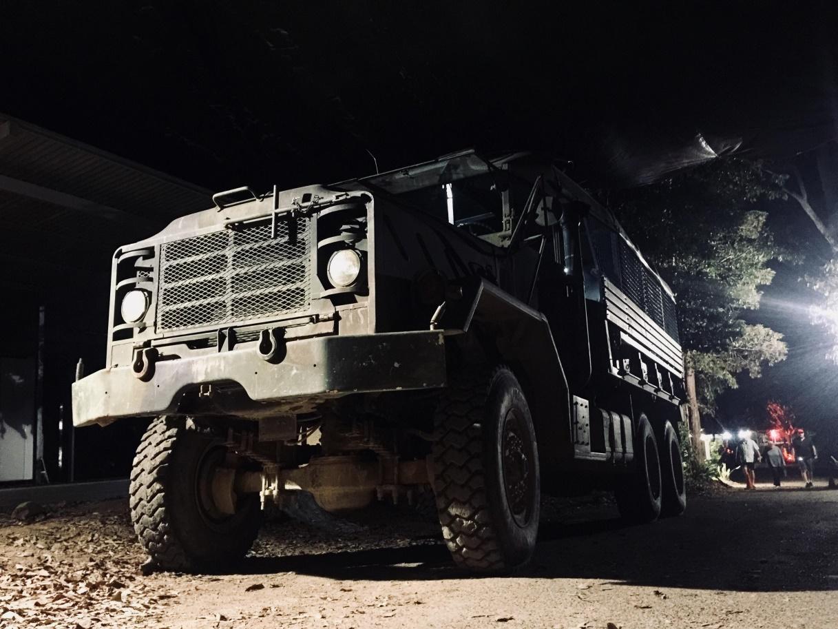 澳大利亞凱恩斯+熱帶雨林悍馬螢火蟲+喂袋鼠夜遊(中文司機兼導遊/悍馬車穿越雨林/袋鼠互動)