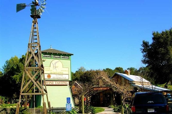 Hop-On Hop-Off Wine Tasting Tour from Cambria and San Simeon