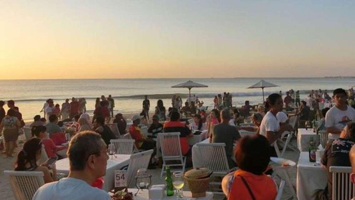 Amazing Private Tour-Tanah Lot Temple-Jimbaran beach Sunset Seafood Dinner