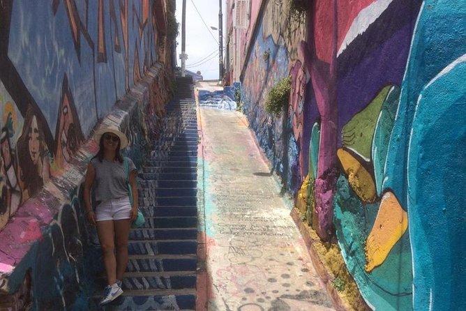 Discover Bohemian and colorful Valparaíso