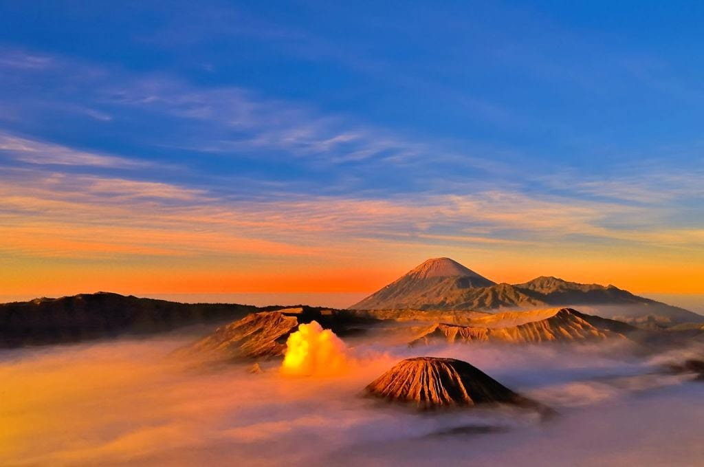 Mount Bromo Sunrise Tour/One Day Tour with Hotel Transfer