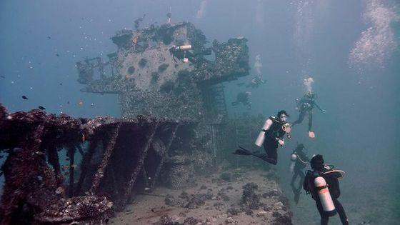 Two Tank Boat SCUBA Dive from Waikiki