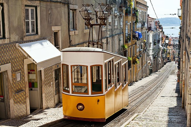 4-day Caceres to Lisbon with Fatima from Madrid