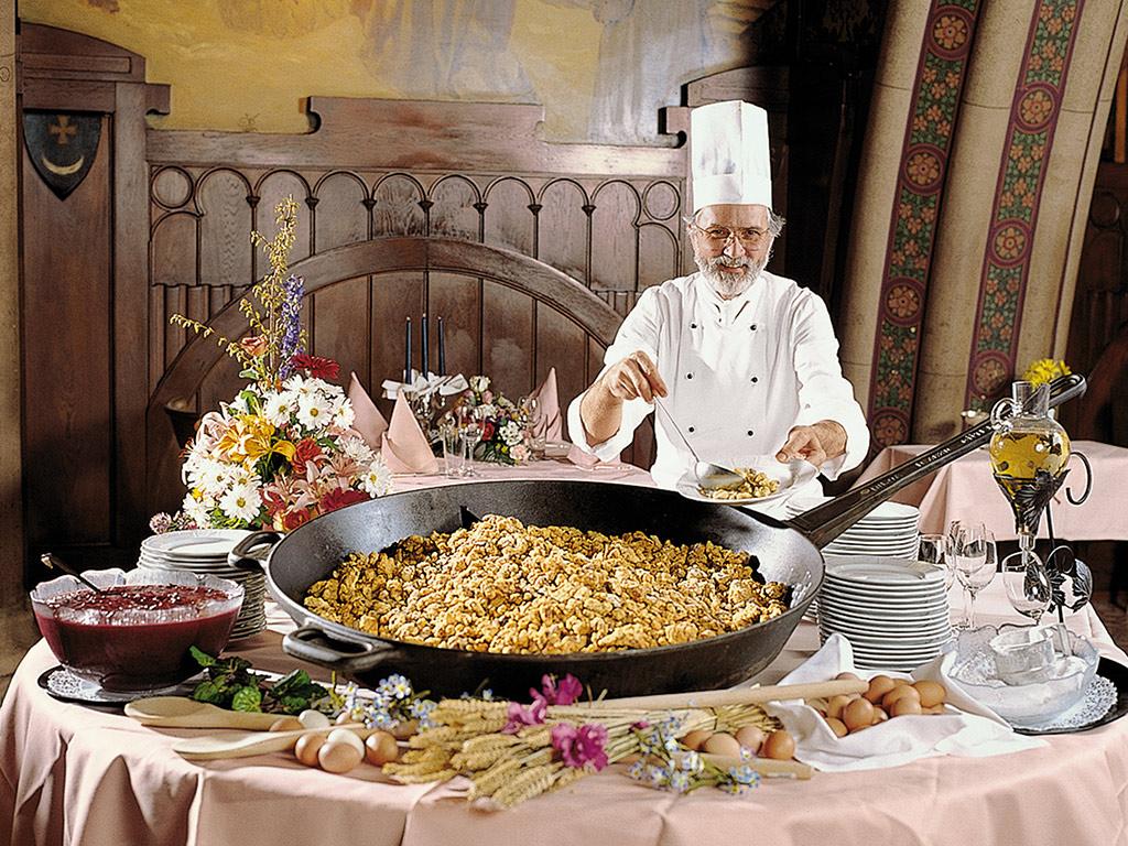 【享受傳統晚宴】奧地利晚餐盛宴與秀場表演