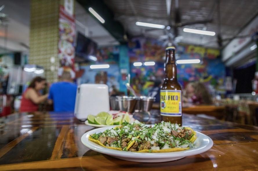 墨西哥+坎昆夜遊(探秘奇特墨西哥美食)(漫步在坎昆當地商場)