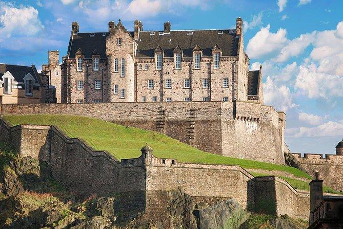 Skip-the-Line Edinburgh Castle Walking Tour