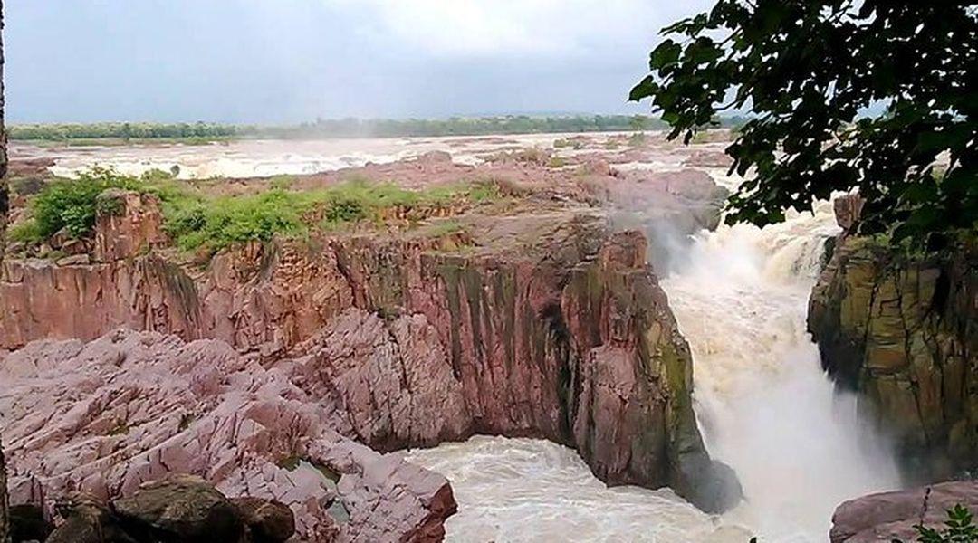 Private 5-Hour Safari from Khajuraho to Raneh Falls Canyon | Trip.com