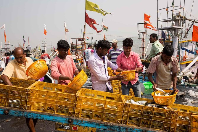 Mumbai 3 days package - Sightseeing, Food, Shopping, Slum, Bollywood & Kanheri