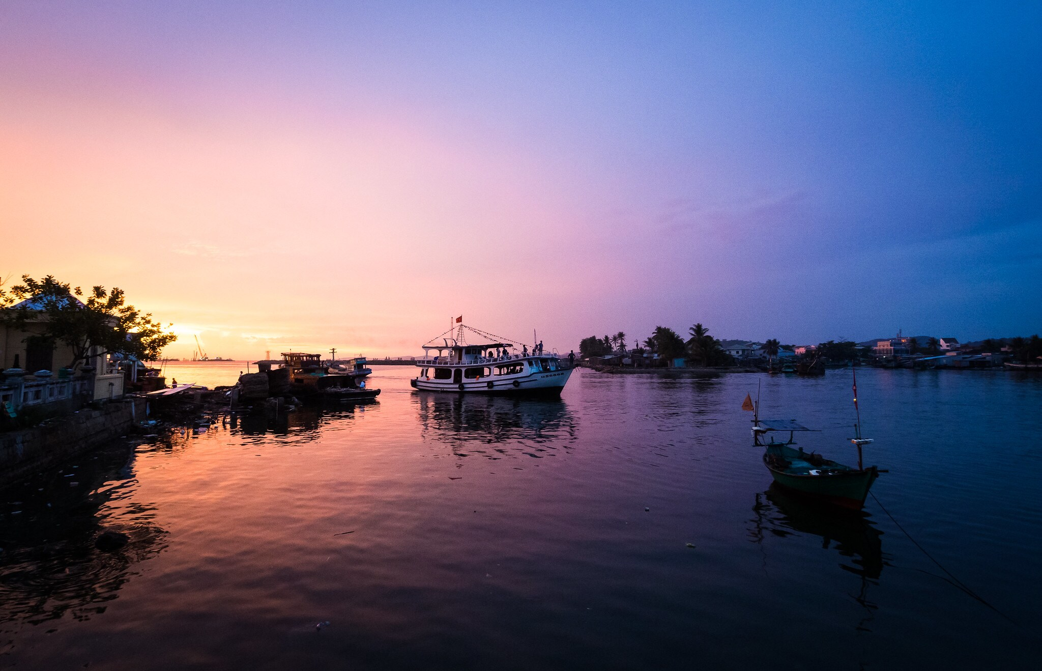Sunset and night squid fishing in Phu Quoc