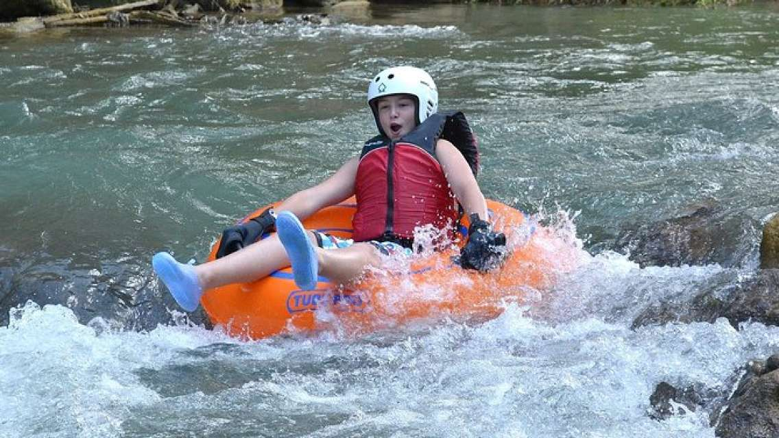 Montego Bay Shore Excursion: Jamaica River-Tubing Adventure on the Rio Bueno
