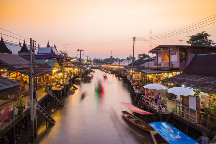 Thailand Floating Markets Day Tour: Damnoen Saduak/Amphawa Markets and Maeklong