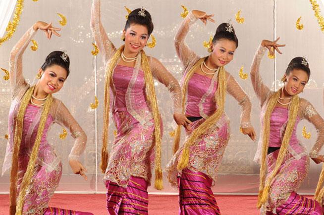 緬甸仰光皇家卡威拉宮自助晚餐+文化表演
