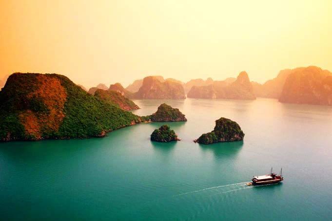 越南下龍灣一日遊(英文導遊+午餐+景點門票+含皮划艇)
