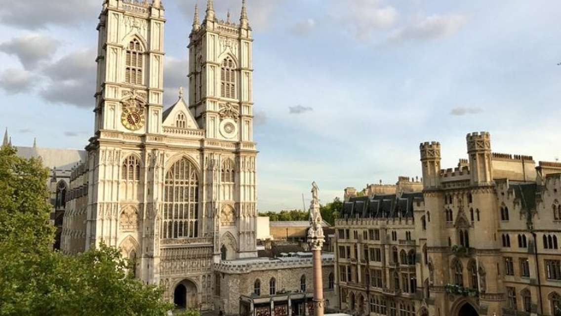 Skip the Line into Houses of Parliament & Westminster Abbey Fully-Guided Tour