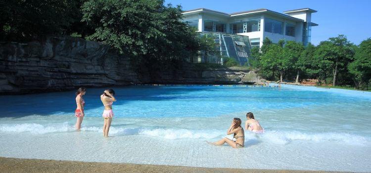 Lingxiu Hot Springs1