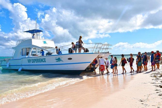 Sabina del Mar Party Boat VIP
