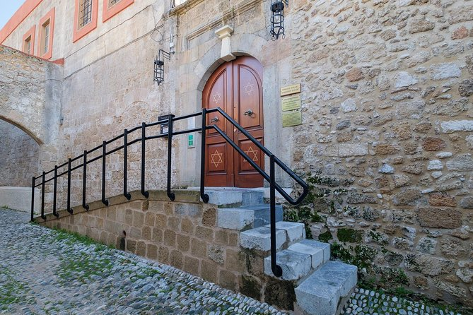 Private Tour in The Jewish Quarter & Grand Master's Palace