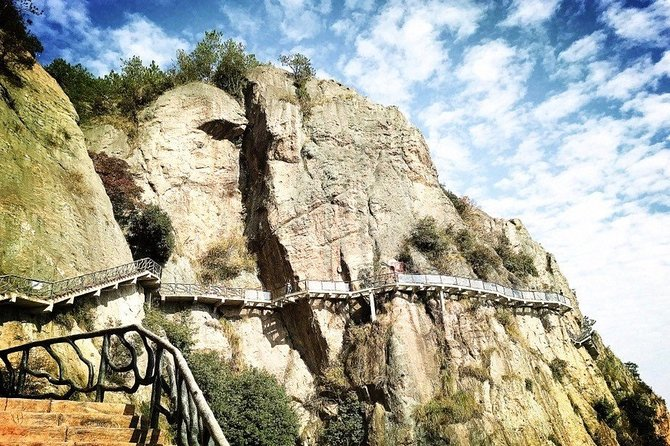 Private Day Tour to Shiniuzhai National Park from Changsha