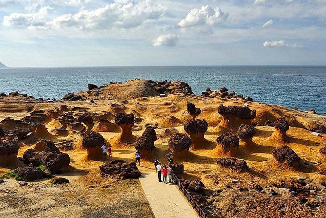 Northeast Coast Tour: Yehliu Geopark, Shifen, Jiufen