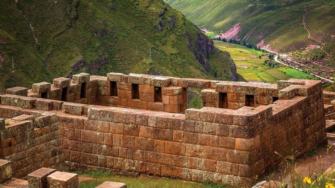 Full-Day Tour in the Sacred Valley with Lunch