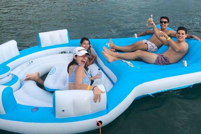 Luxury boat tours to Santa Marta beaches