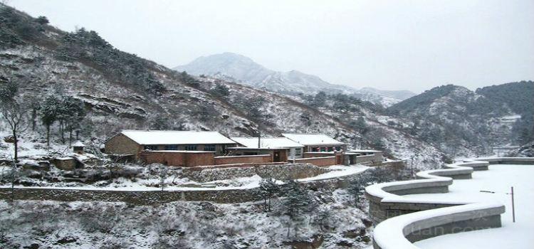 Baiyintuo Scenic Area1