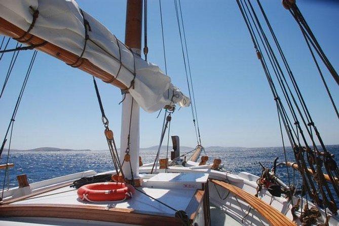 Full-Day Delos and Rhenia Island Cruise from Mykonos
