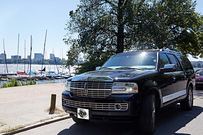 Private 5-Hour Hamburg Countryside Tour in a Large SUV