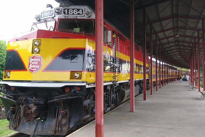 Private Tour Panama Canal, Railway and Monkey Island