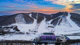吉林长春莲花山滑雪场一日游【初、中、高雪道随意选择!天天发团!】