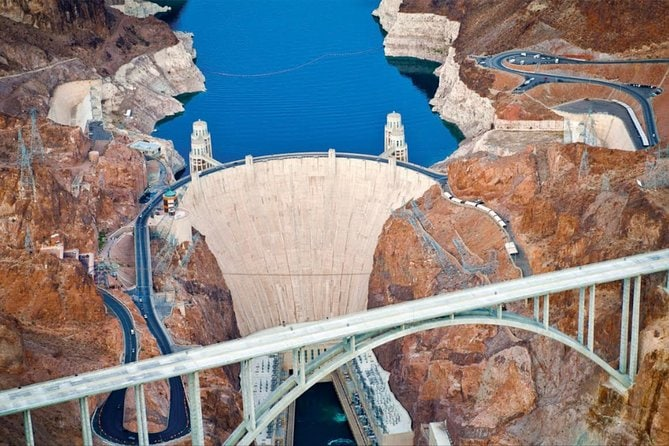 3 hour Small Group Hoover Dam Mini Tour with Strip pick up