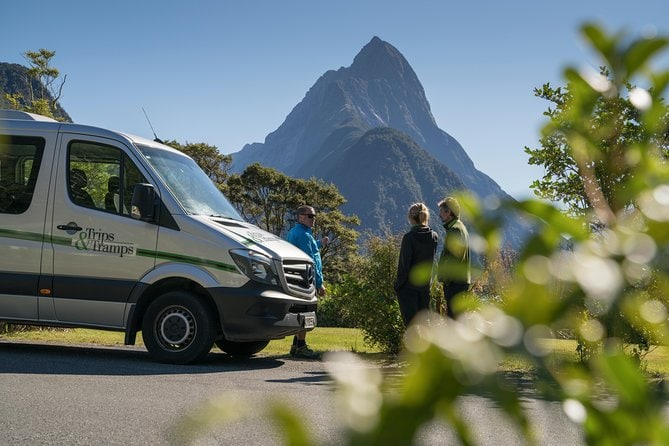 Full-Day Milford Sound Hiking Tour with Cruise
