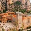 西班牙巴塞羅那蒙特塞拉特+科洛尼亞桂爾教堂一日遊(10秒自動確認!高迪建築+尺軌小火車…)