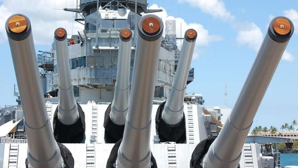 Pearl Harbor Tours >> Skip The Line Pearl Harbor Memorial Small Group Tour From Waikiki