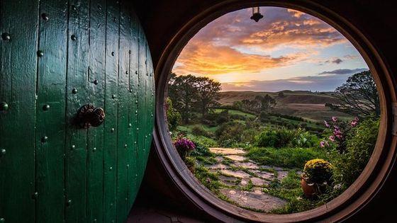 Tauranga Shore Excursion: Hobbiton Lord Of The Rings Movie Set and Rotorua Geothermal Geyser Combo Tour
