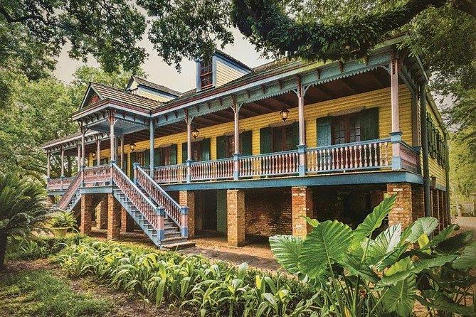Traveler's Choice: Oak Alley, Laura, Evergreen or Whitney Plantation Tour